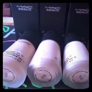 Only shade NC45 AVAIL | MAC MINERALIZE FIX